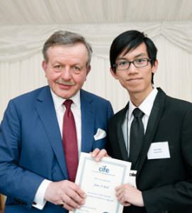 Jian Yi receives award from Lord Lexden