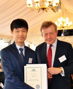 Lansdowne-College-student-JiHo-Park-with-Lord-Lexden